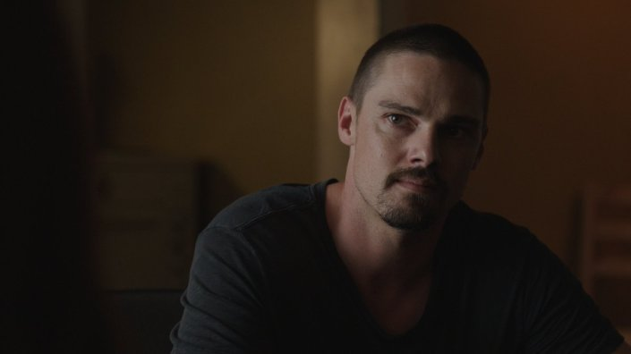 mary_kills_people_jay_ryan