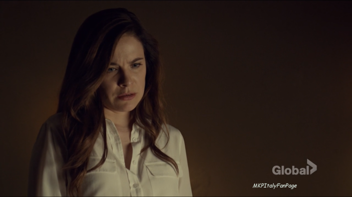 mary_kills_people_caroline_mary